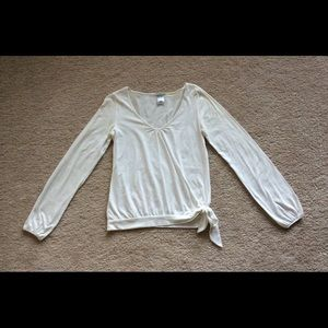 Woman's Old Navy blouse.